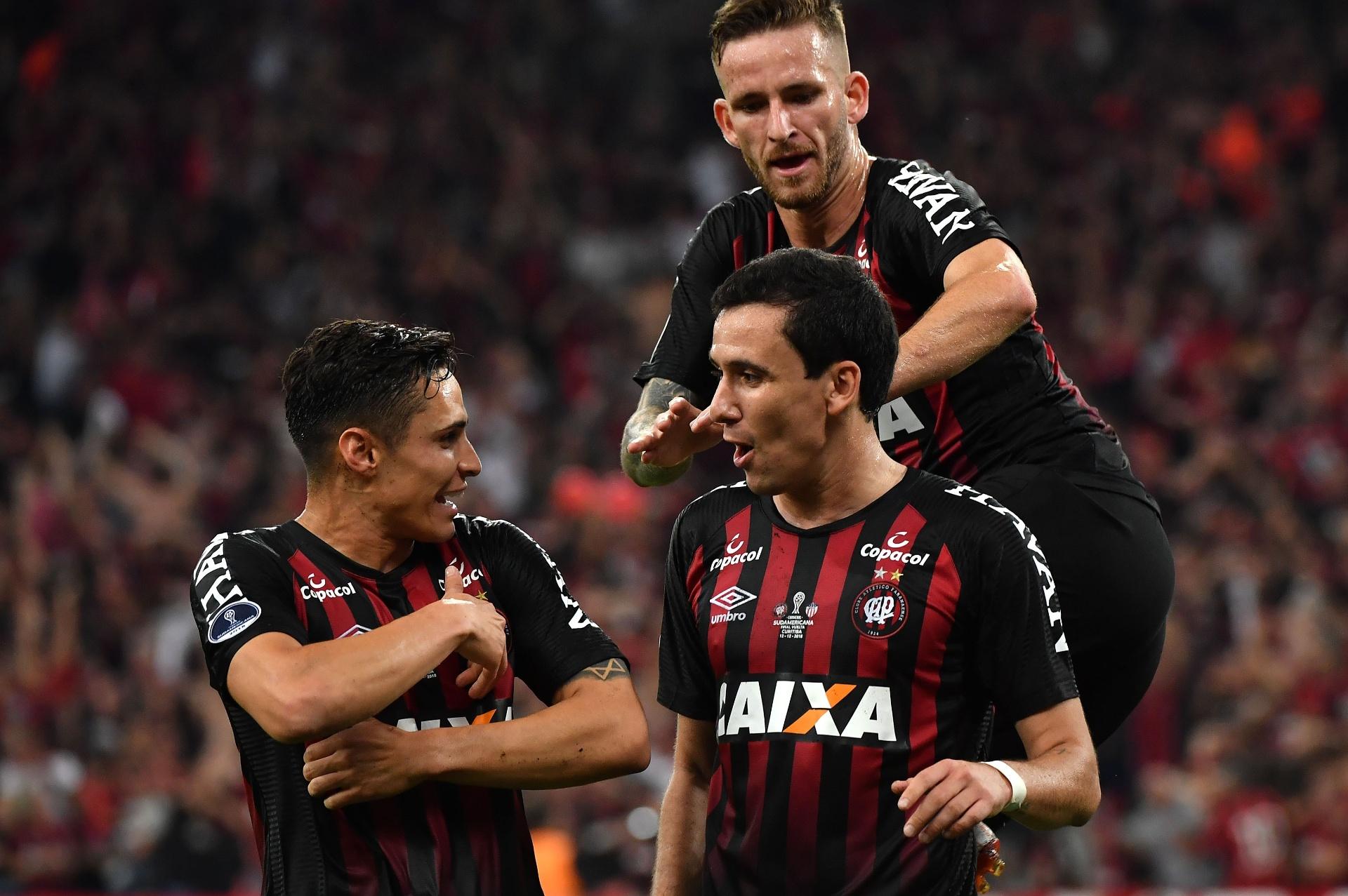 Por que Sul-Americana é título mais importante da história do Atlético-PR   - Esporte - BOL 525ddbcebca51