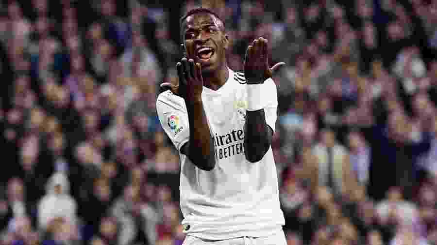 Vinicius Júnior, em ação no clássico entre Real Madrid e Barcelona - Javier Soriano/AFP
