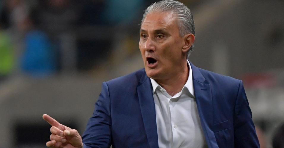 Tite no jogo entre Brasil e Paraguai pela Copa América