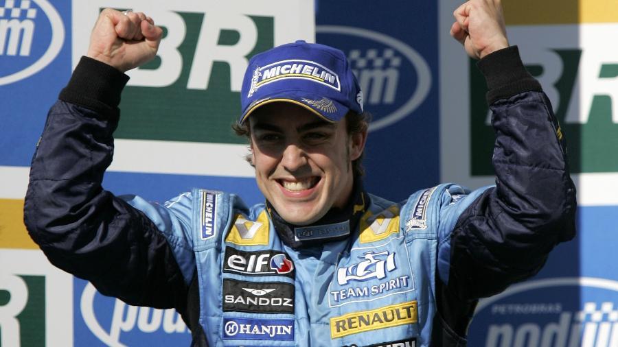 Fernando Alonso anuncia retorno à Fórumla 1 pela Renault, onde já foi campeão - Clive Rose/Getty Images