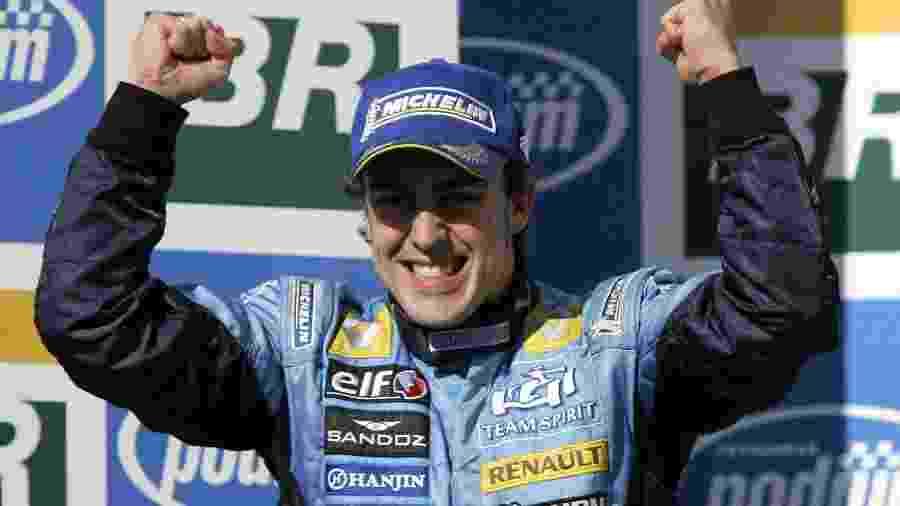 Fernando Alonso, campeão mundial com a Renault em 2005 e 2006 - Clive Rose/Getty Images