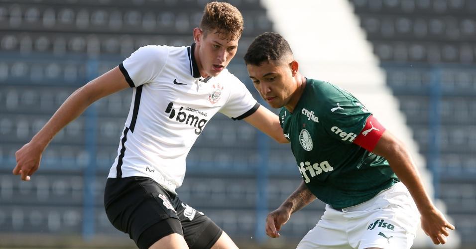 Pedro Bicalho é relacionado pela primeira vez para o time principal do Palmeiras