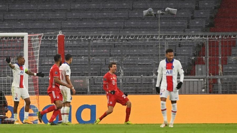 Thomas Muller marcou um dos gols do Bayern no primeiro jogo - Sebastian Widmann - UEFA/UEFA via Getty Images