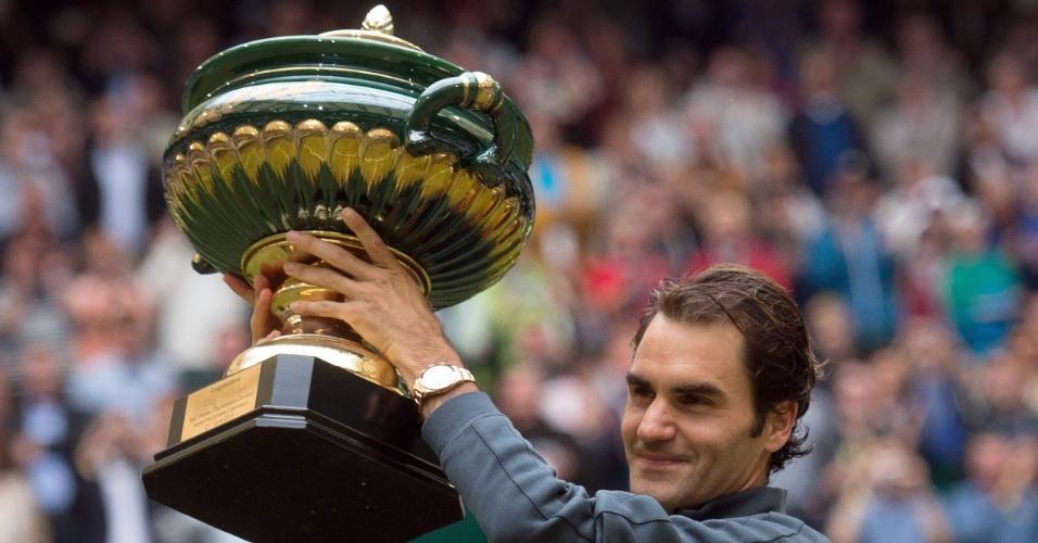 Roger Federer levanta taça do ATP de Halle