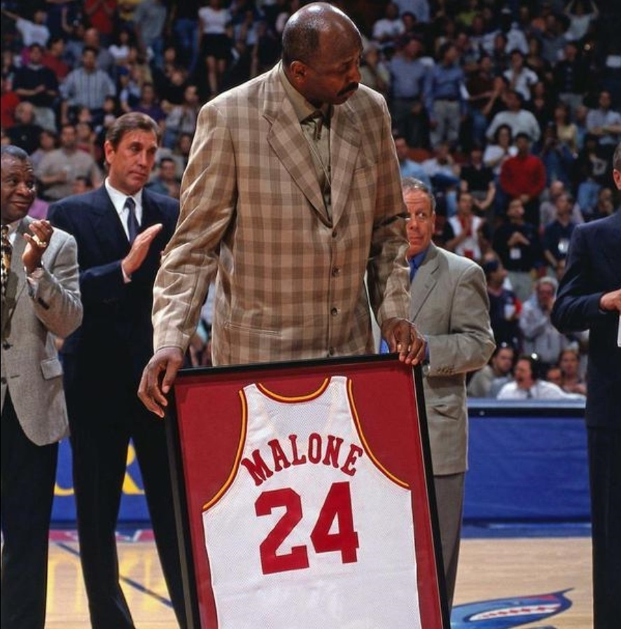 Moses Malone, ex-jogador do Houston Rockets