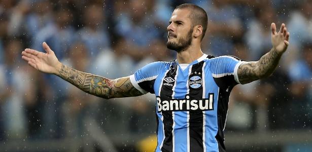 Fred é bom cobrador de faltas e volta ao Grêmio após empréstimo. Não deve renovar