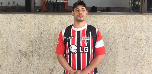 Emanuel veio para Belo Horizonte e quer voltar pelo menos com fotos dos ídolos