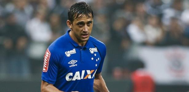 Mesmo emprestado, Robinho não sairá do Cruzeiro, que terá seus direitos até 2019