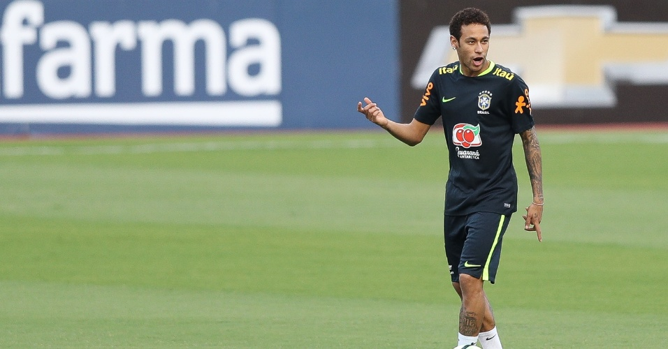 No treino de finalização, Neymar era o mais descontraído