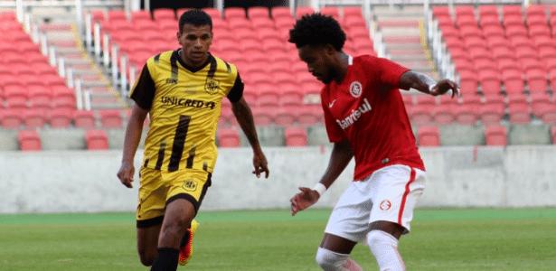 Joanderson participa de jogo entre Inter e Bagé pelo Sub-23 do time colorado