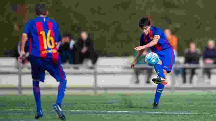 Eric Garcia em ação quando era atleta das categorias de base do Barcelona - Barcelona