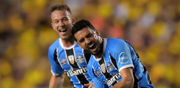 Lateral direito fechou com o Cruzeiro e esperava acerto do time mineiro com o Grêmio
