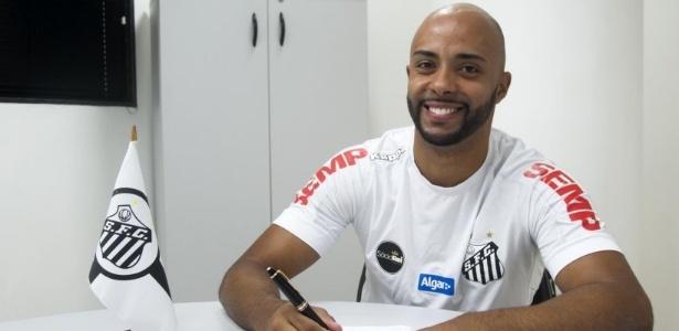 Romário assinou contrato com o Santos até 31 de dezembro de 2022