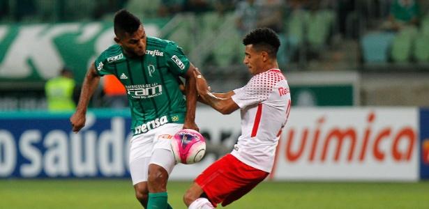 Borja disputa bola com Nininho em Palmeiras x RB Brasil pelo Campeonato Paulista - Daniel Vorley/AGIF