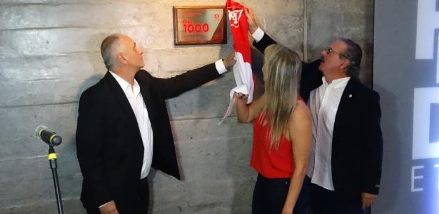 Presidente Marcelo Medeiros (e) Fernanda Costa (c) e Otávio Rojas (d) em inauguração