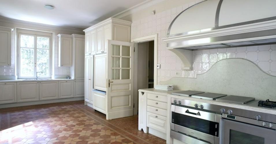 Cozinha da mansão onde Cristiano Ronaldo irá morar em Turim