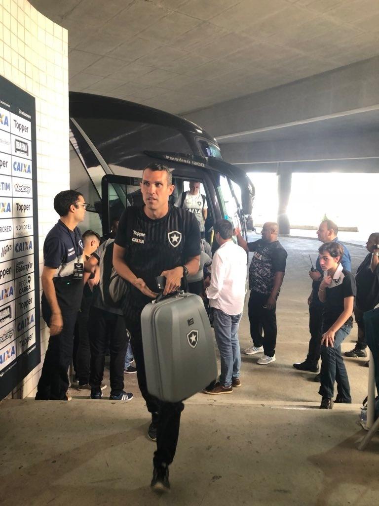 Bruno Lazaroni foi escolhido para comandar o Botafogo diante do Santos no Campeonato Brasileiro 2018