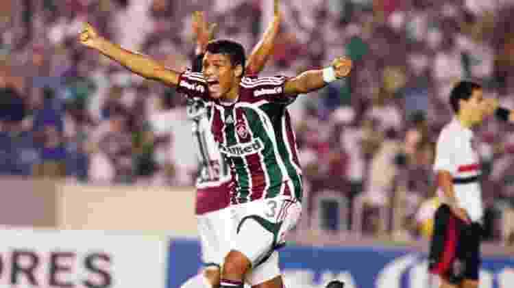 Thiago Silva comemora a vitória do Fluminense sobre o São Paulo na Libertadores 2008 - Photocamera - Photocamera