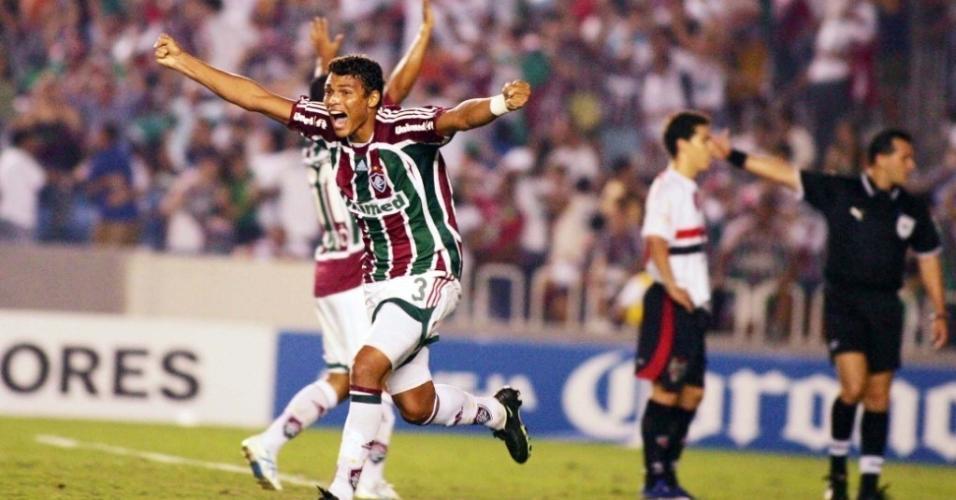 Thiago Silva comemora a vitória do Fluminense sobre o São Paulo na Libertadores 2008
