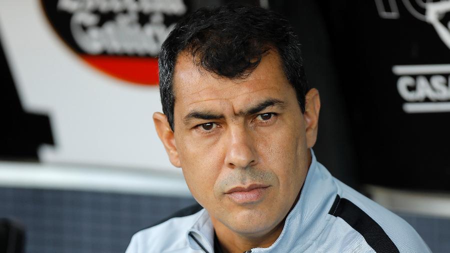 O técnico Fabio Carille, do Corinthians, está na mira do Tianjin Teda FC, da China - Daniel Vorley/AGIF