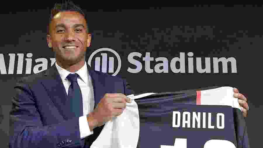 Apresentação de Danilo na Juventus - Divulgação/Juventus