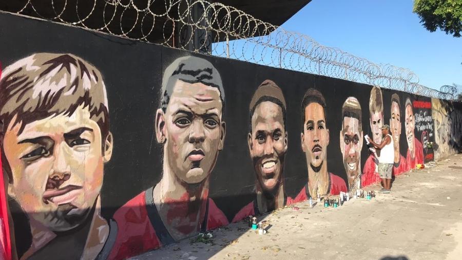 O incêndio no Ninho do Urubu, em fevereiro de 2019, resultou na morte de dezatletas da base do Flamengo - Bruno Braz / UOL
