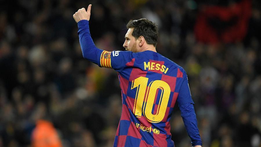 Time de Lionel Messi busca apoio nos bastidores das entidades para ficar com troféu - LLUIS GENE / AFP