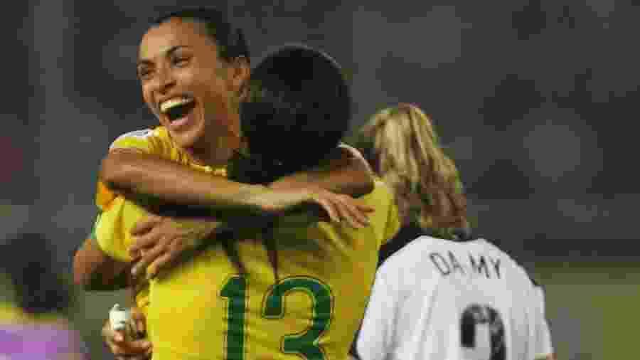 Marta comemora depois de o Brasil vencer os Estados Unidos - Feng Li/Getty Images