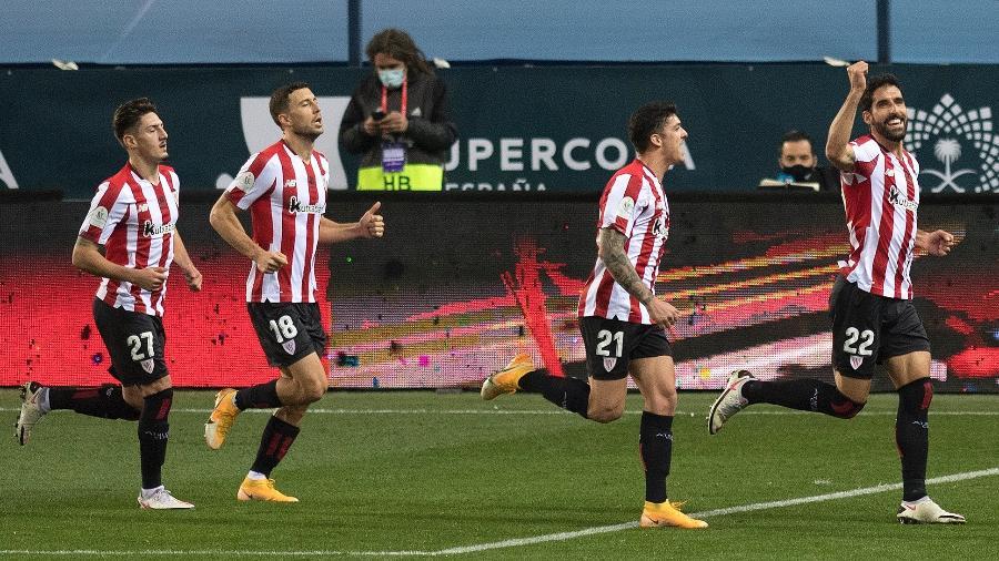 Raul Garcia comemora o segundo gol do Bilbao sobre o Real Madrid - JORGE GUERRERO/AFP
