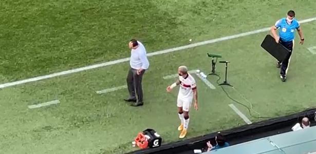 2 a 1 para o Athletico | Gabigol reclama ao ser substituído em derrota do Fla; Ceni explica insatisfação