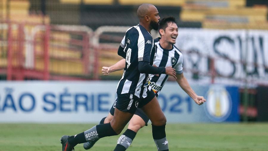 Chay, do Botafogo, celebra gol contra o Remo, em duelo pela Série B do Brasileiro - Vitor Silva / Botafogo