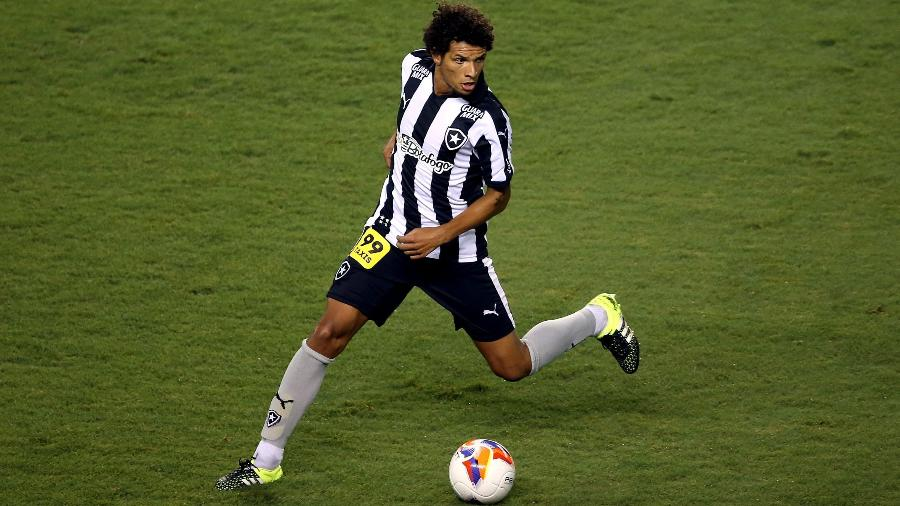 Willian Arão terá que ressarcir o Botafogo em R$ 4 milhões - Satiro Sodre/SSPress