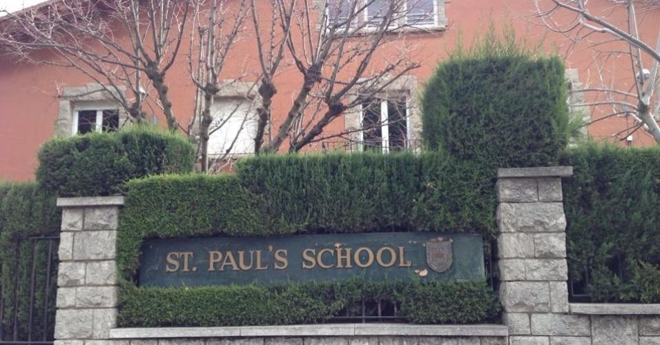 O colégio elitista St. Paul´s está situado bem em frente ao portão de entrada da casa de Neymar.