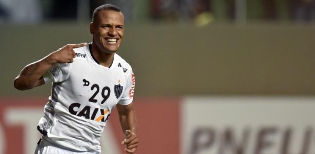 Patric comemora o seu gol pelo Atlético-MG contra o Colo-Colo, na Libertadores