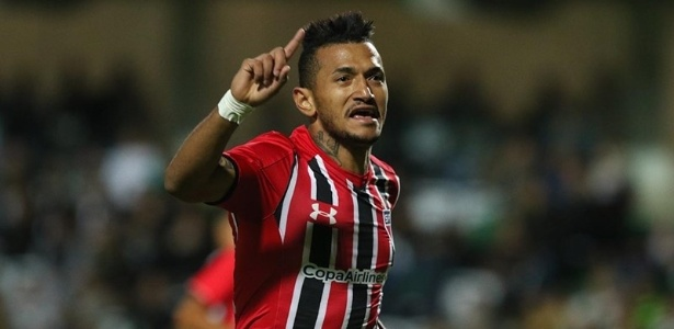 Rogerio tem sido reserva no São Paulo