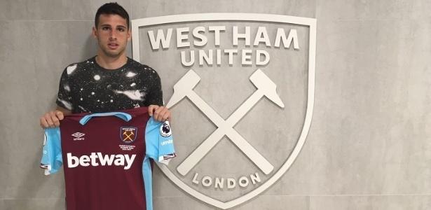 Calleri recebeu a camisa do West Ham nesta terça-feira