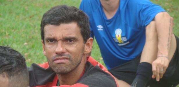 Goleiro Vitor Ressurreição, do PSTC Procopense, participa de treino no Paraná
