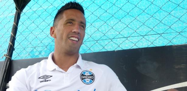 Atacante lembrou jogos na Alemanha e detalhou negociação com o Grêmio