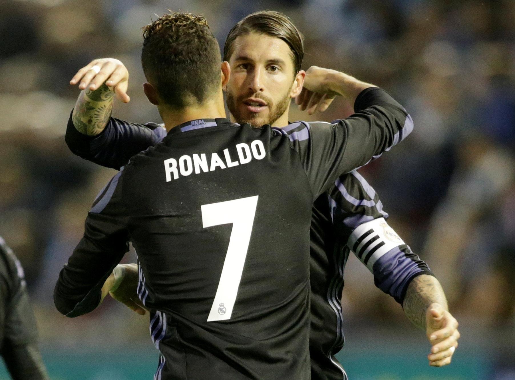 Cristiano Ronaldo e Sergio Ramos comemoram gol do Real Madrid sobre o Celta de Vigo
