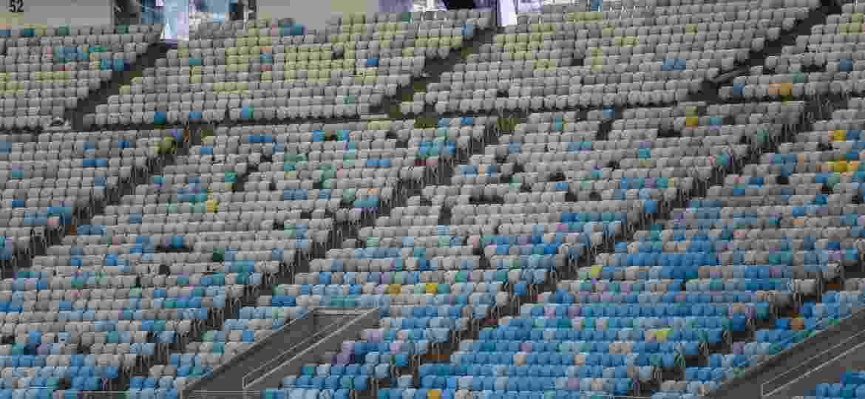 Detalhe da arquibancada vazia do Maracanã, sem futebol, estádio tem sido alugado para eventos diversos - Ricardo Borges/Folhapress