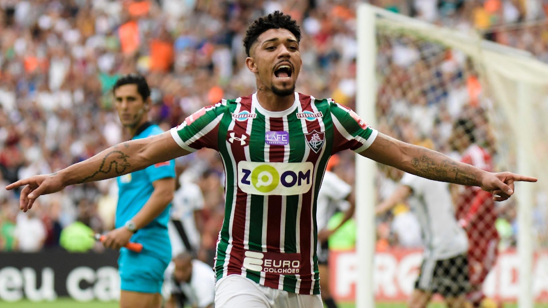 Douglas marcou para o Fluminense contra a Ponte Preta