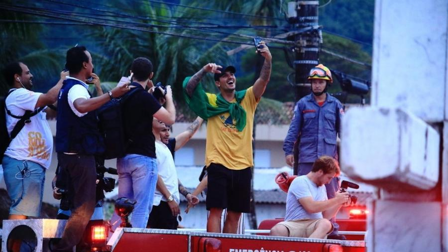 Gabriel Medina é recepcionado com festa em Maresias após conquista do título mundial - WSL / ALEKO STERGIOU