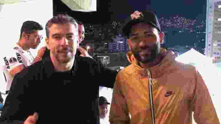 Leandro Donizete e Pierre, ex-volantes do Atlético-MG, assistiram ao clássico no Horto - UOL