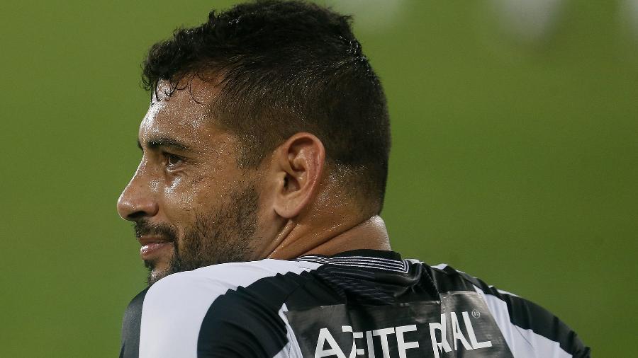 Diego Souza está fora dos planos e tem o maior salário do Botafogo até o fim de 2021 - VITOR SILVA/BOTAFOGO