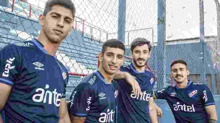 Pablo García, Santiago Rodríguez, Matías Viña e Gabriel Neves são jovens de destaque no Nacional - Divulgação/Nacional/Umbro