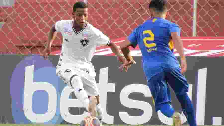 Enio é o principal destaque do time sub-20 e foi chamado para compor elenco na estreia do Botafogo no Carioca - Fabio de Paula/Botafogo