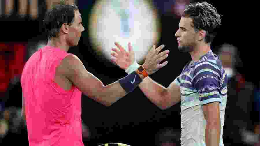 Dominic Thiem cumprimenta Rafael Nadal após seu duelo nas quartas de final do Australian Open de 2020 - Reuters