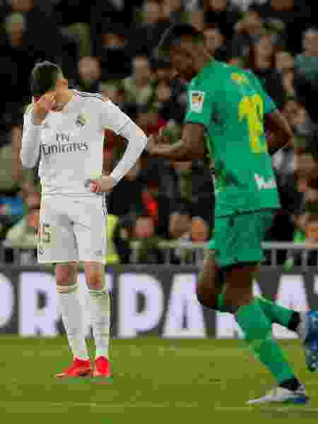 Federico Valverde, do Real Madrid, lamenta gol feito por Alexander Isak, do Real Sociedad, pela Copa do Rei - SUSANA VERA/REUTERS