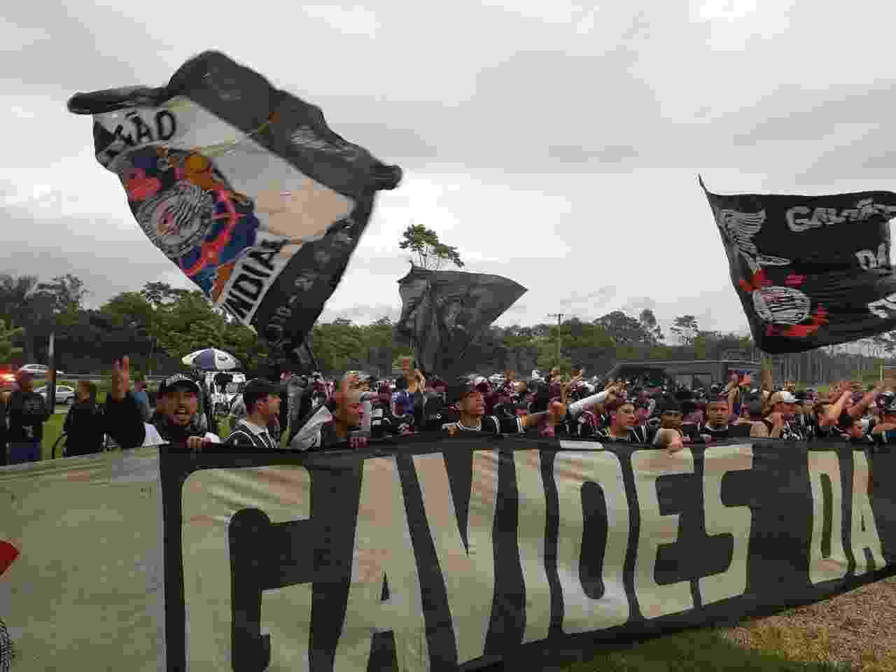 Protesto da Gaviões da Fiel no CT Joaquim Grava - Samir Carvalho/UOL Esporte