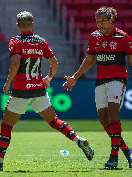 Alexandre Vidal / Flamengo - Flamengo com a marca Primevide em sua camisa